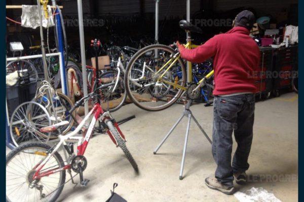 Un atelier d'auto-réparation de vélos